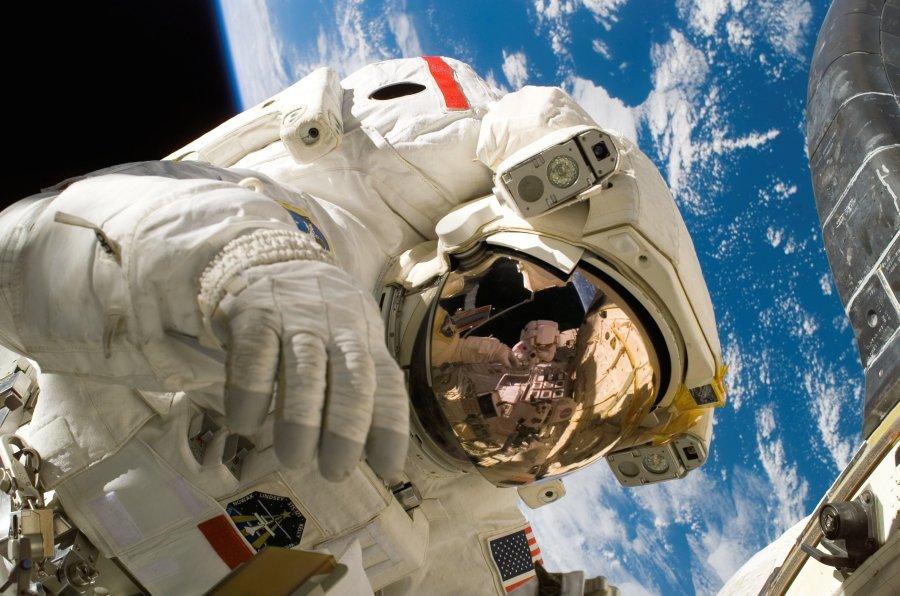astronaut_nutrition_productivity.jpg